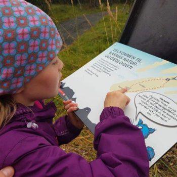 Lærer Barn Om Natur Og Geologi